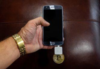 a blokklánc alapú okostelfonok kriptovaluta kriptopénz váltó hírek fórum bitcoin ethereum mycryptoption