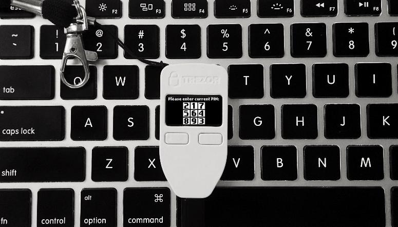 trezor one kriptopénz hardware wallet kriptopénz tárca bitcoin ethereum mycryptoption 3