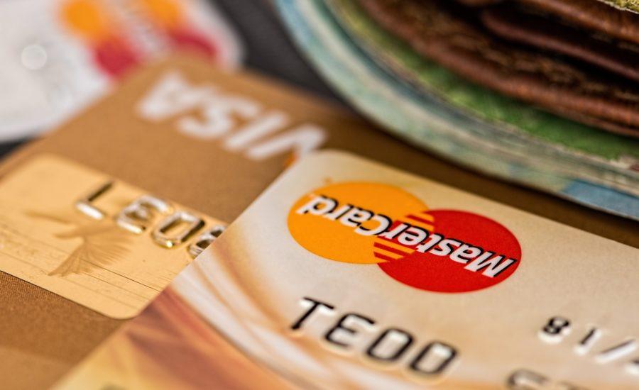 Az USA-ban már fel lehet már iratkozni a Coinbase bankkártyájára