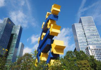 Banca Centrală Europeană știri crypto Az Európai Központi Bank újabb 750 milliárd eurót nyomtatna