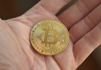 Investitorii instituționali nu-și pierd cheful, preferă Bitcoin în continuare Nem lankad az intézményi befektetők kedve, továbbra is kedvelik a Bitcoin-t
