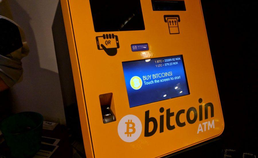 Crește cererea față de Bitcoin - Peste 10 000 de ATM-uri Bitcoin instalate în 2021